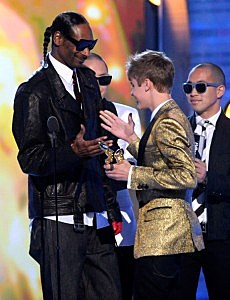 Justin with Snoop (now it makes sense!)
