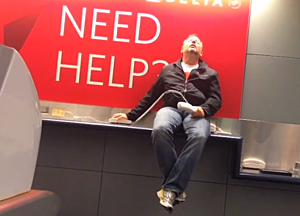 man makes hilarious lip-sync video stuck overnight in las vegas airport, richard dunn,celine dion,all by myself,man shoots hilarious lip-sync video all by himself in las vegas airport,leaving las vegas,all by myself video,las vegas all by myself,las vegas celine dion video,las vegas video,man shoots video,funny las vegas,funny las vegas video,celine dion video,celine dion las vegas