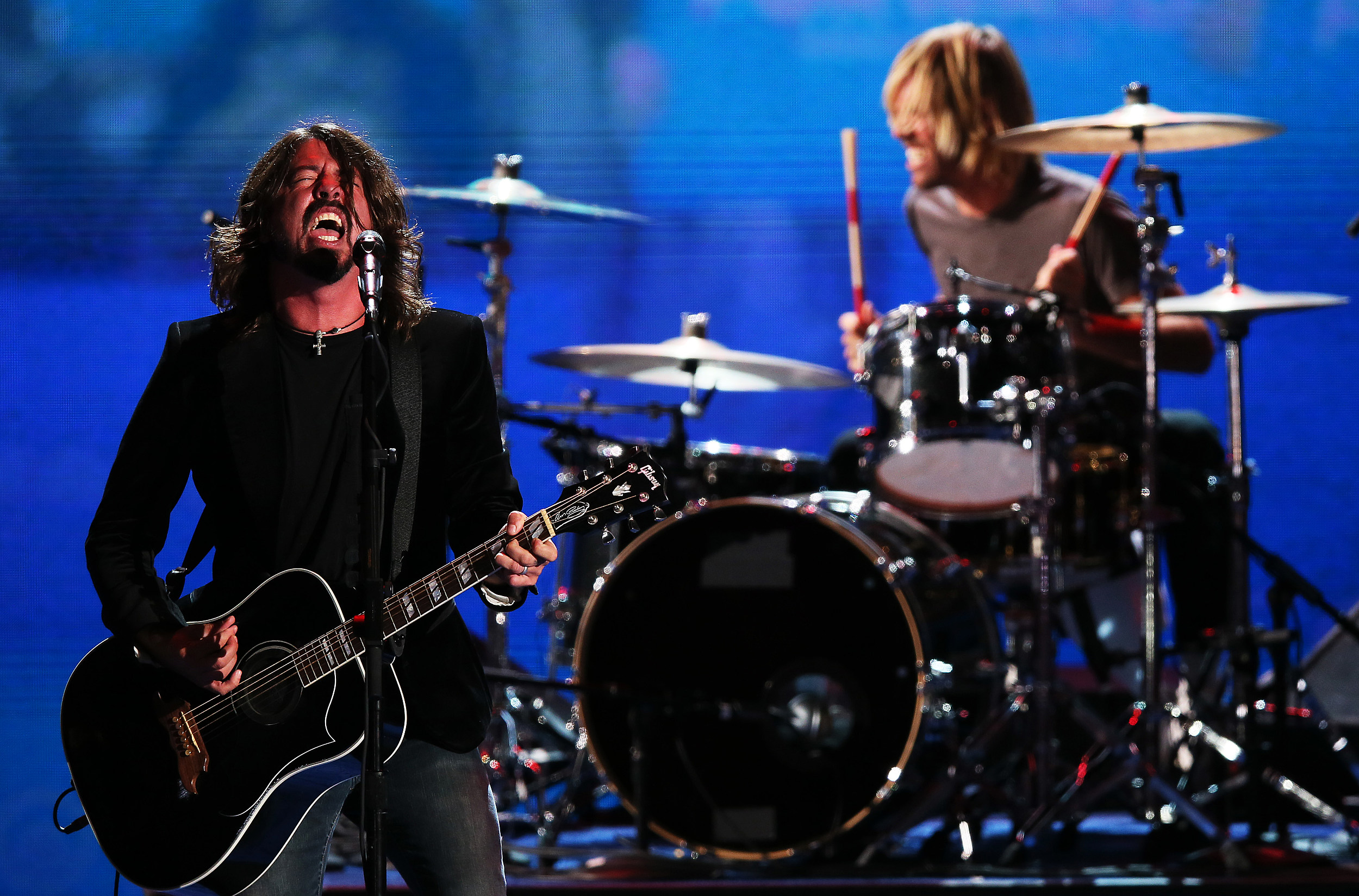 Foo Fighters ready new cd and HBO series
