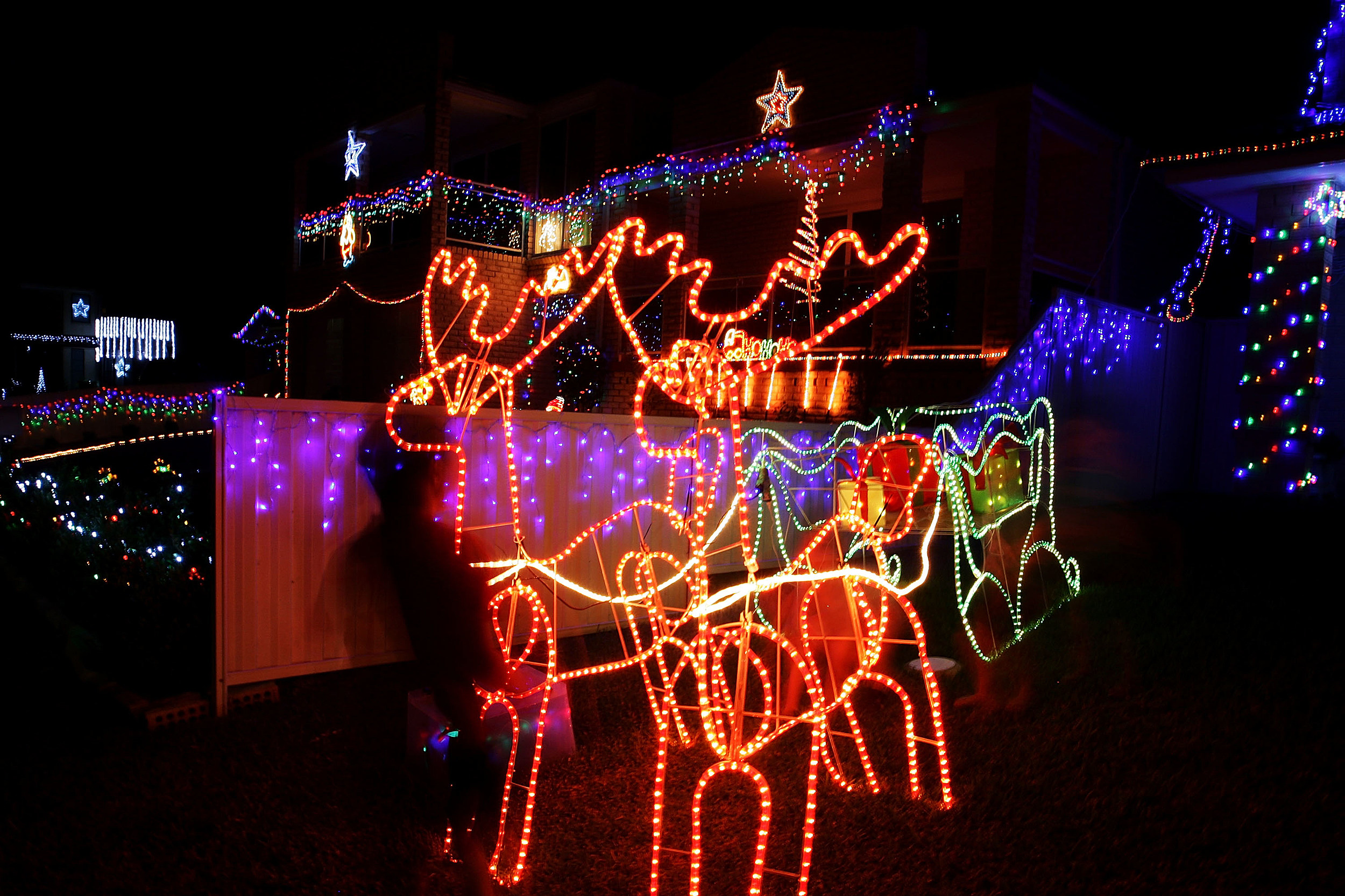 Wonderful El Pasoan Fred Loyas House Wins ABC Light Show Competition