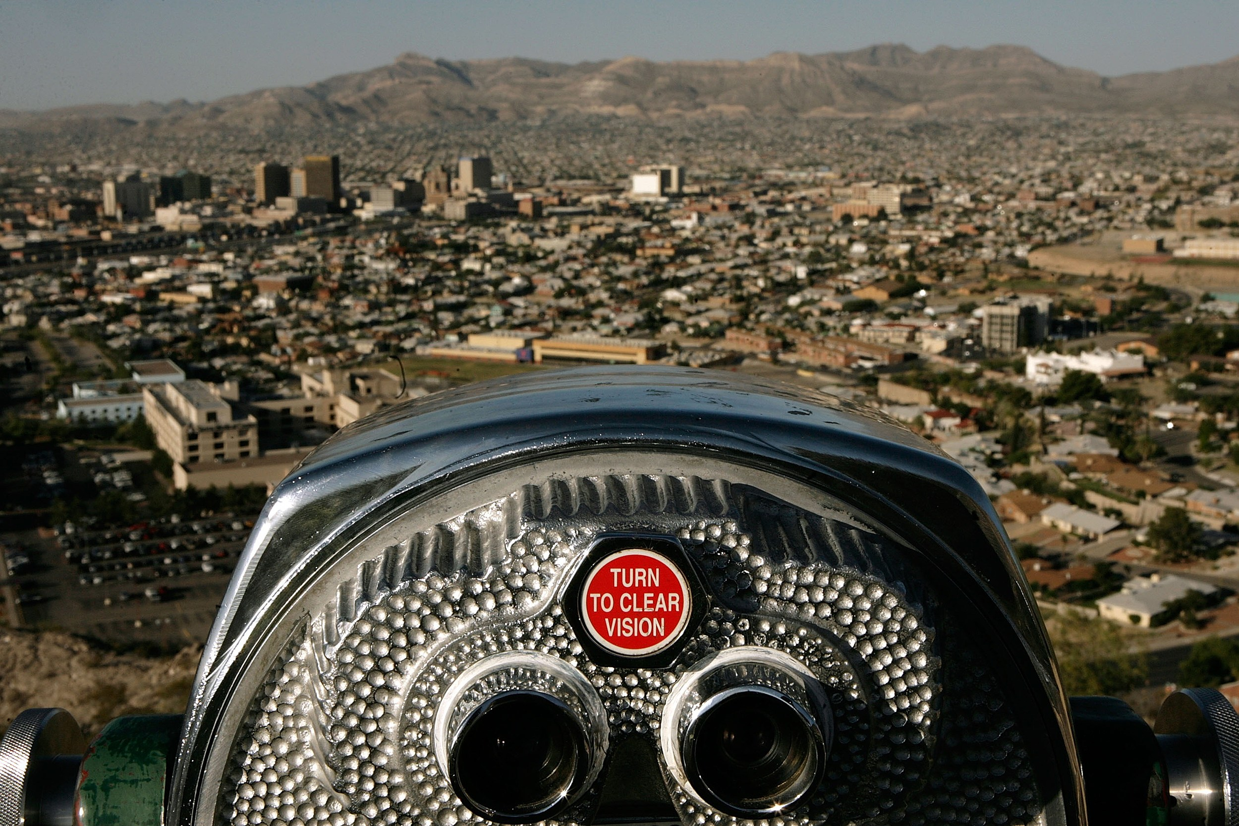 Border Patrol Agents Monitor US-Mexico Border