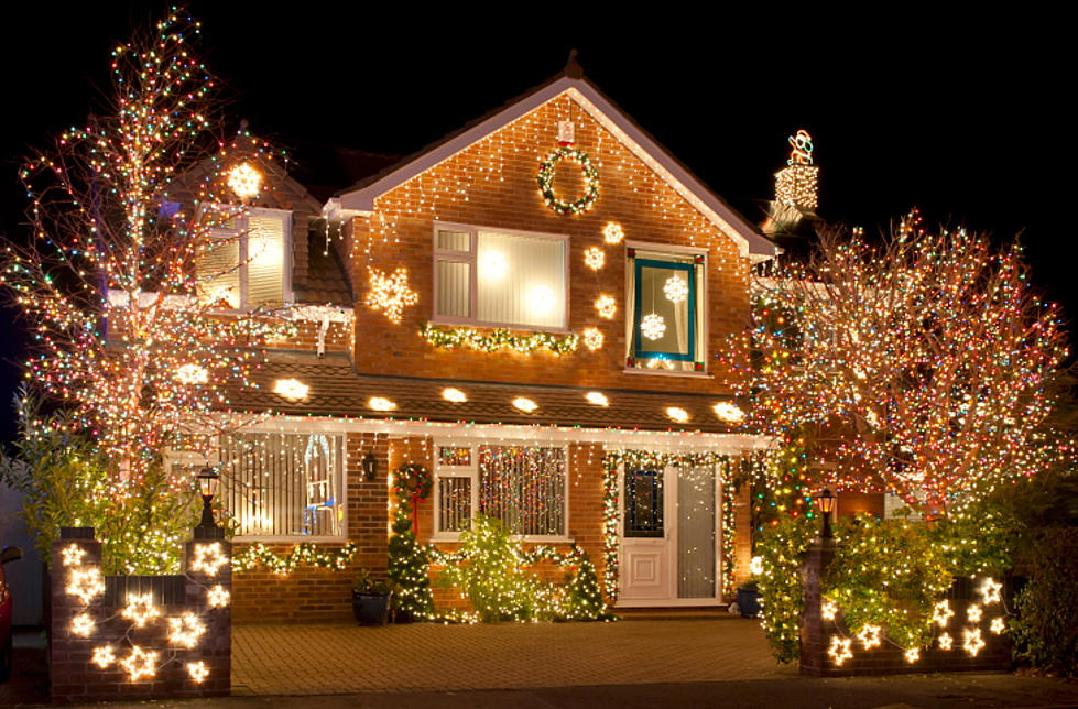put your christmas decorations up early to boost happiness - When To Put Up Christmas Decorations